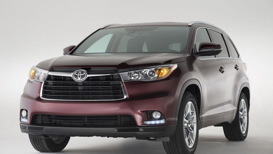 2014 Toyota Highlander pricing announced, goes on sale in February