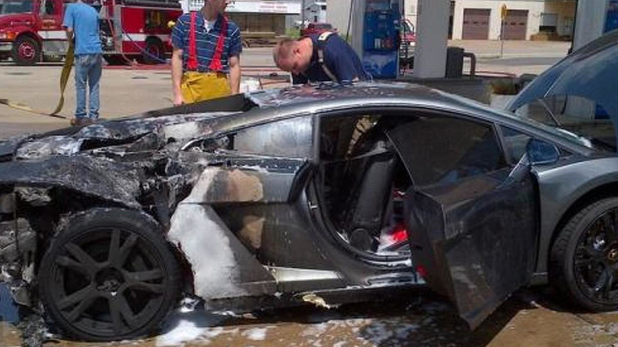 2013 Lamborghini Gallardo goes boom at gas station