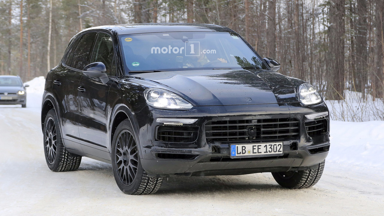 2018 porsche cayenne turbo. plain cayenne 2018 porsche cayenne spy photo inside porsche cayenne turbo