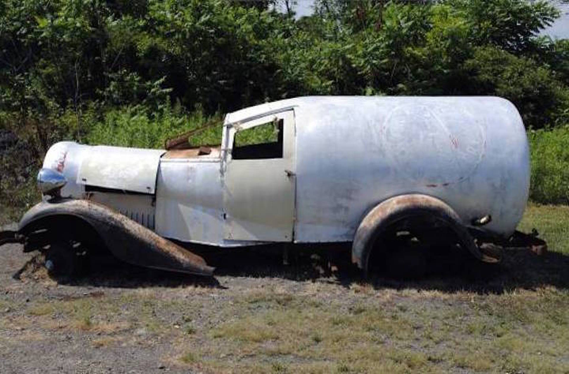 Barn Find REO Milk Wagon Needs A Good Restoration