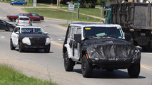 2018 Jeep Cherokee spy photo