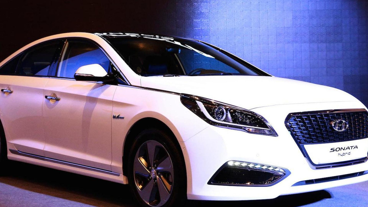 2015 hyundai sonata hybrid debuts in seoul. Black Bedroom Furniture Sets. Home Design Ideas