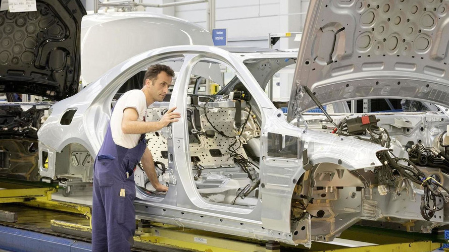 2014 Mercedes S-Class enters production, company confirms plans for six variants