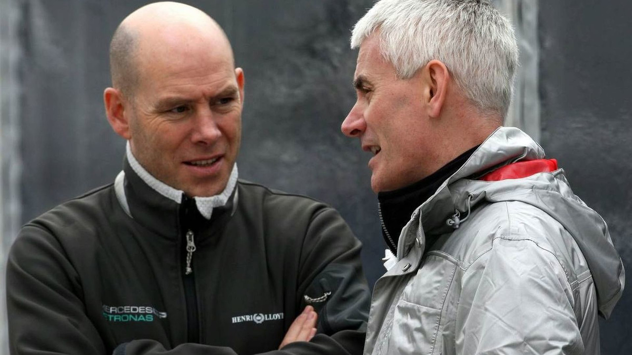 Jock Clear (GBR), Mercedes GP Petronas, Senior Race Engineer talks with Geoff Willis (GBR), Jerez, Spain, 13.02.2010