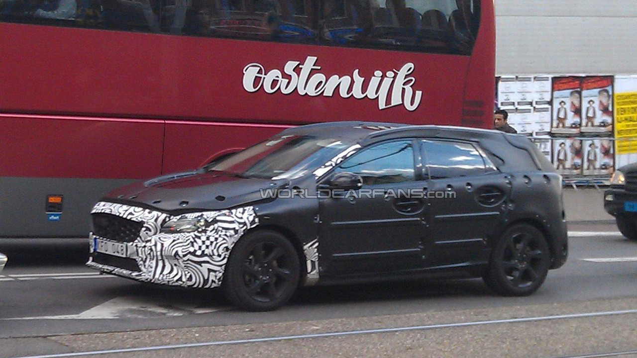 2012 Volvo V30 spied on road first time 11.10.2011