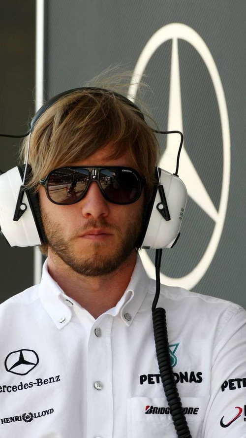 Heidfeld in talks for 2011 race cockpit return