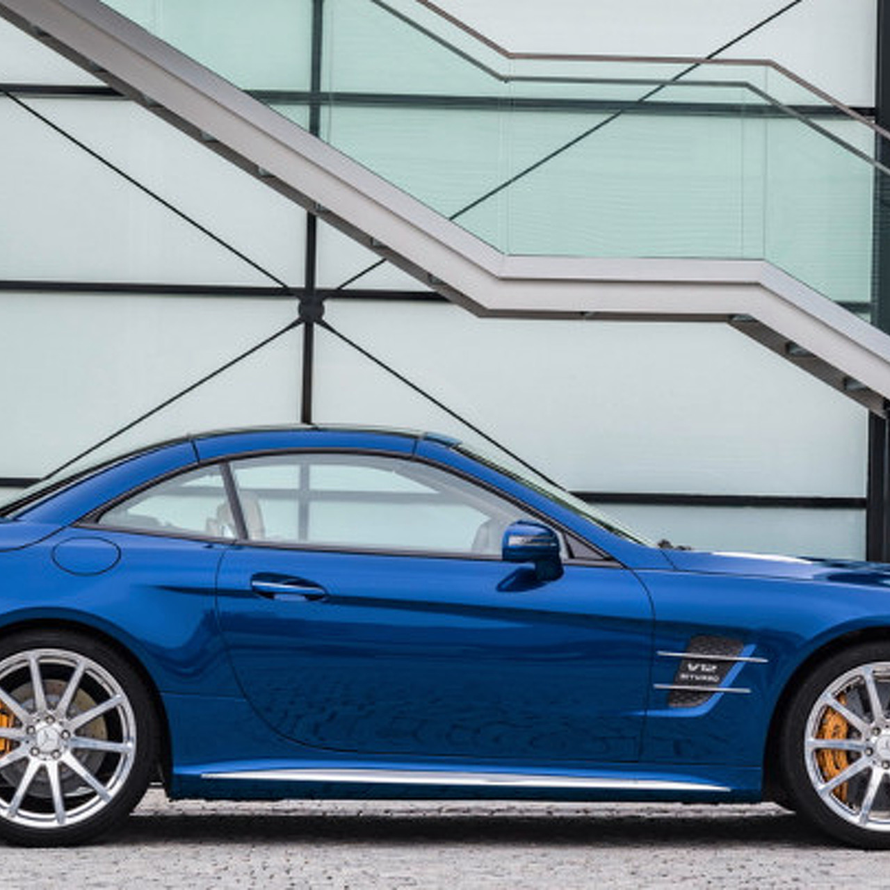 Mercedes-Benz SL-Class Gets a Much-Needed Facelift