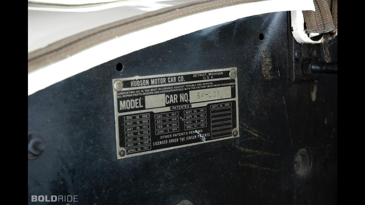 Hudson Super Six Coach