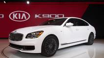 2019 Kia K900 at 2018 New York Auto Show
