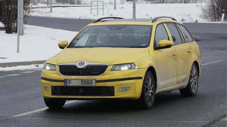 2014 skoda octavia combi rs spied for the first time. Black Bedroom Furniture Sets. Home Design Ideas