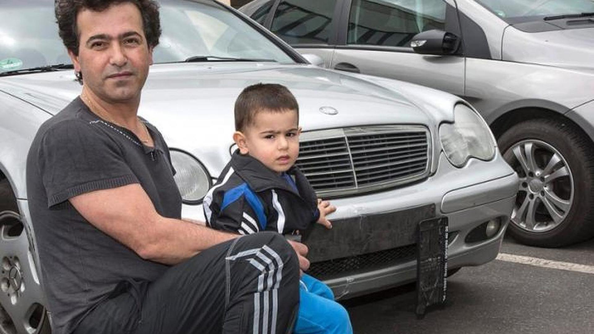 Two-year-old kid steals father\'s Mercedes-Benz C-Class Estate and ...