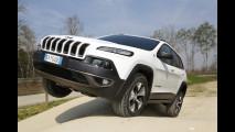 Nuova Jeep Cherokee Trailhawk in fuoristrada