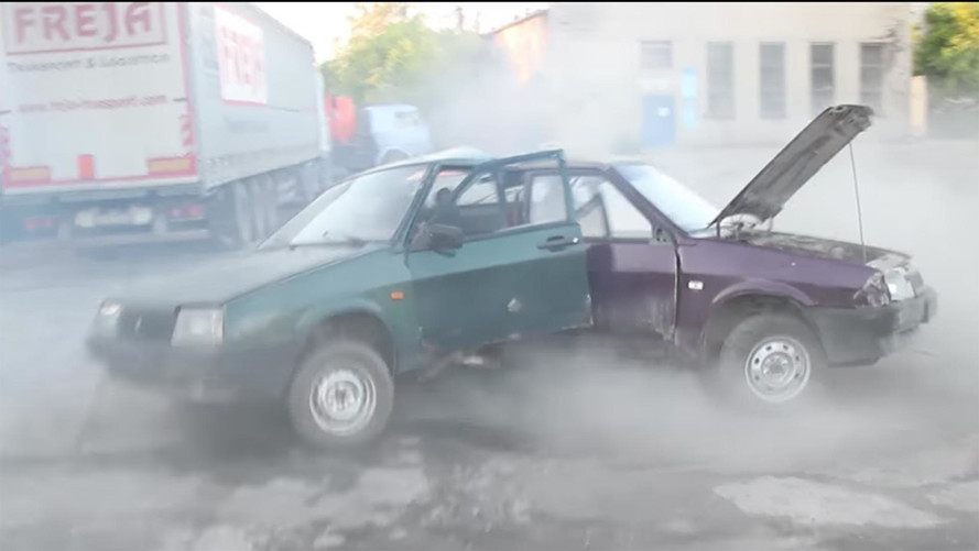 Russians Hack Together 3 Ladas Into Automotive Fidget Spinner
