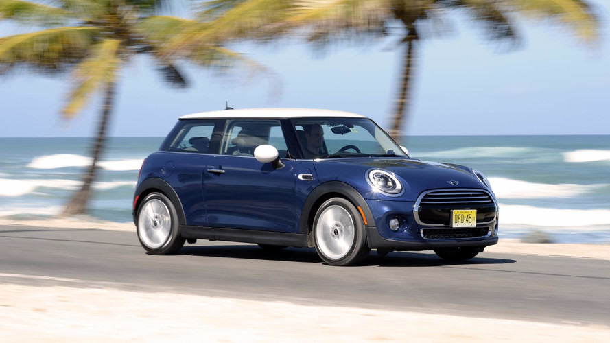 Mini Cooper ganha versão Top no Brasil por R$ 124.950