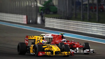 Petrov considered letting Alonso overtake