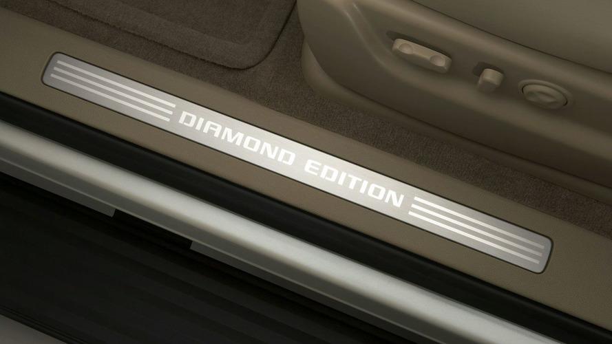2010 Chevrolet Suburban 75th Anniversary Diamond Edition Debut in Chicago