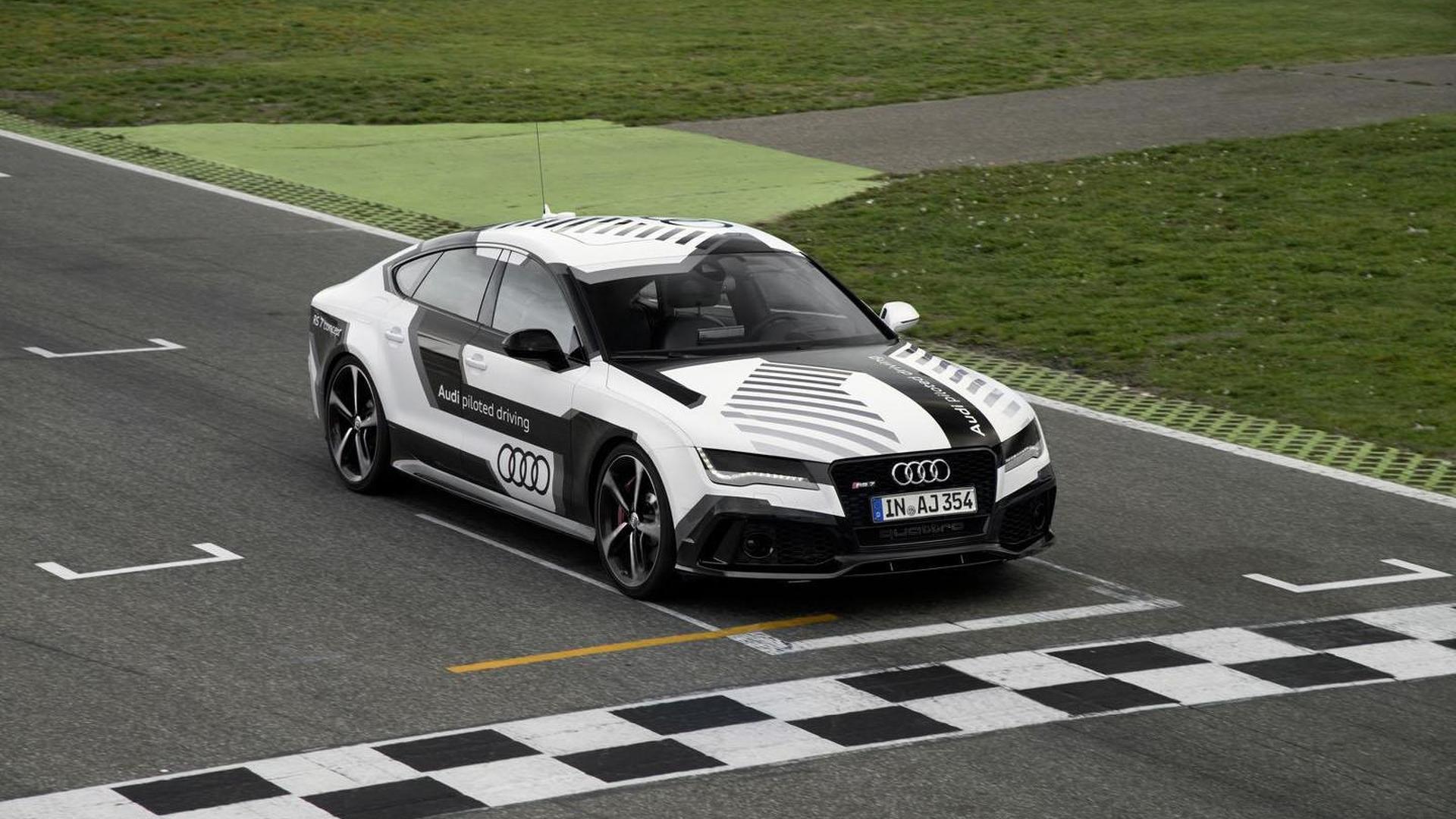 Audi RS7 Piloted Driving на гоночной трассе