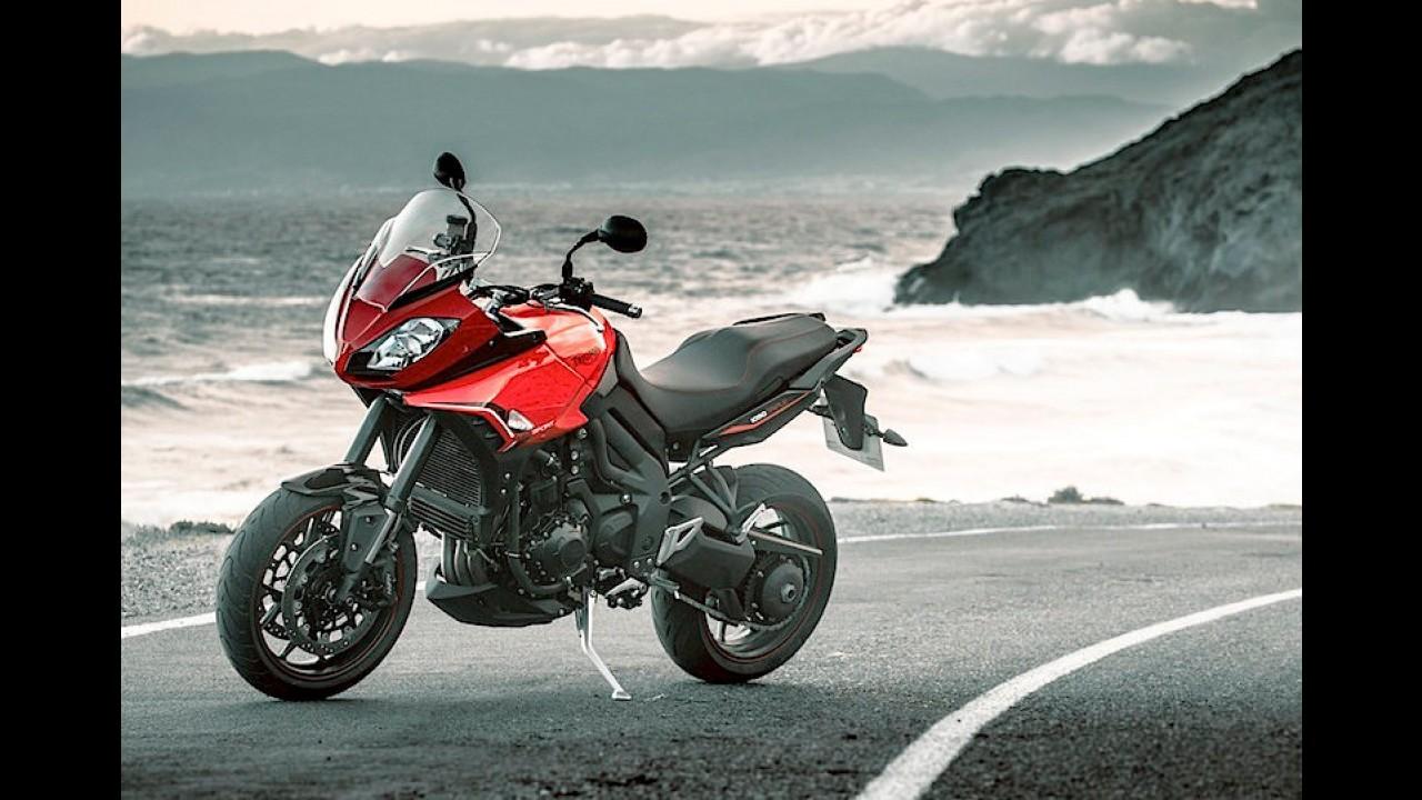 Triumph mostra teaser de novo modelo que chegará em breve