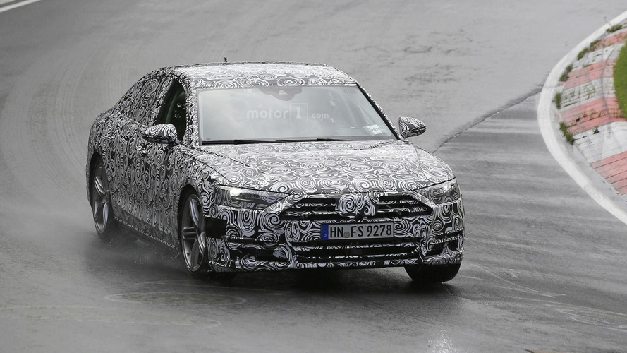 Audi A8  2018 Photos espion à Nurburgring