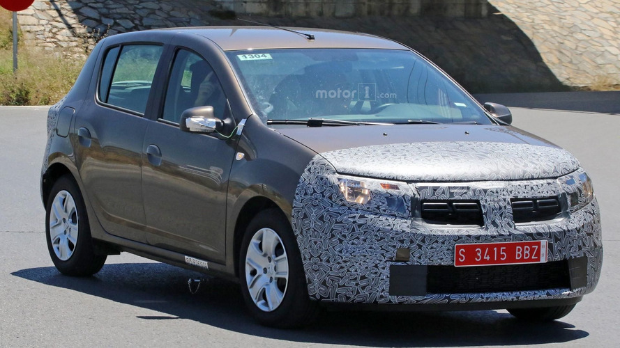 2017 Dacia Sandero, Logan MCV facelift spy photos