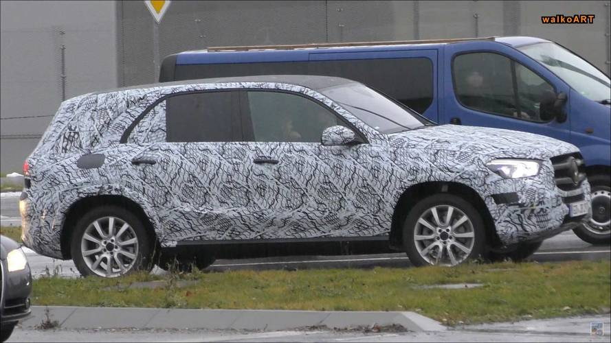 2019 Mercedes-Benz GLE-Class Spied Showing Edgy Headlights