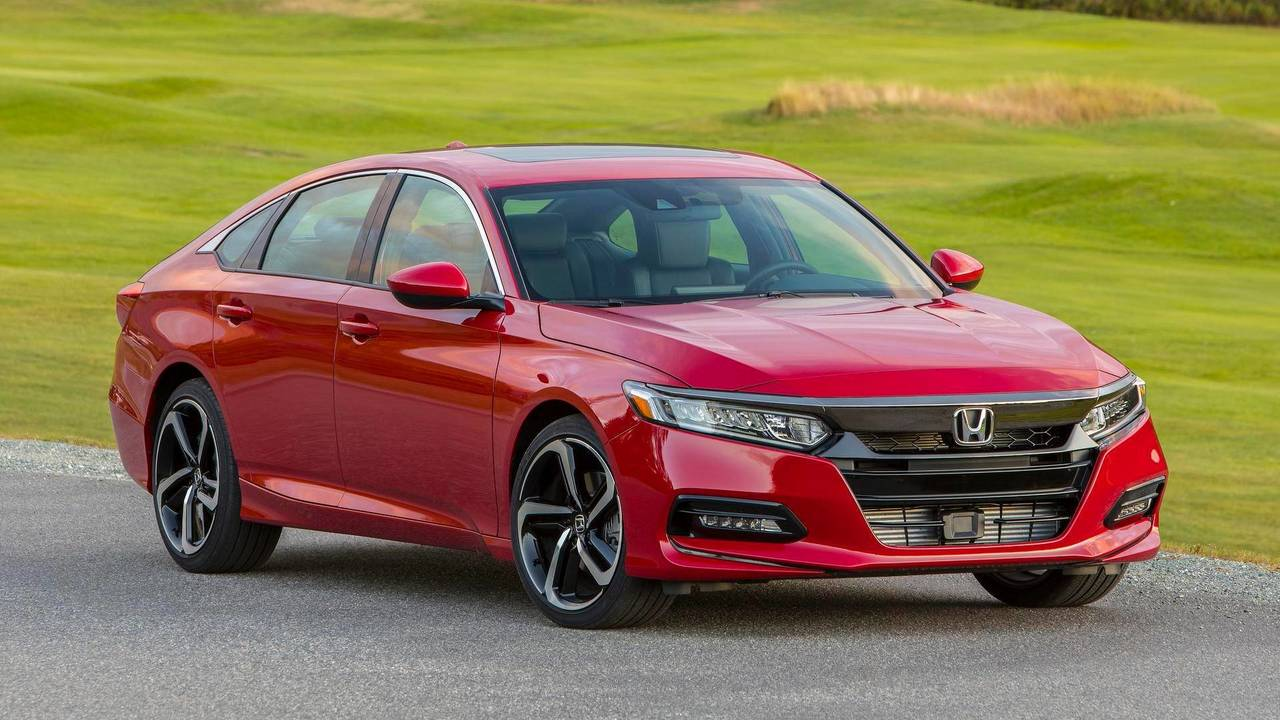 9. Honda Accord: 322,655 Units