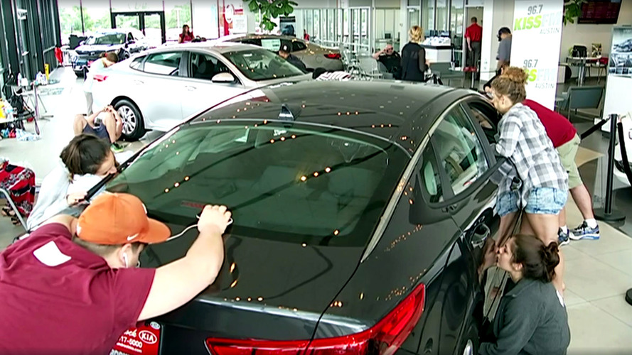 Would You Kiss A Kia Optima For 50 Hours To Win It?