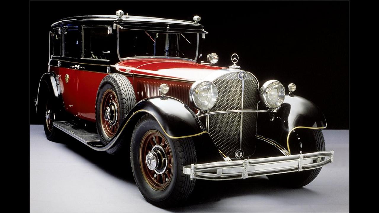 Der speziell für den japanischen Kaiser Hirohito angefertigte Mercedes 770. Die Chrysanthemen, das Symbol des Tenno, mussten für den späteren Aufenthalt des Autos im Mercedes-Museum leicht geändert werden.