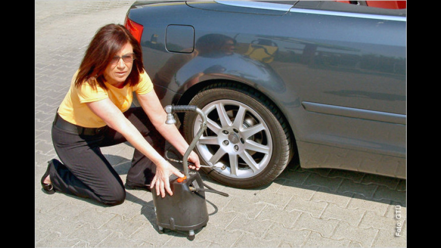 Geld sparen: Nach dem Urlaub das Auto abrüsten