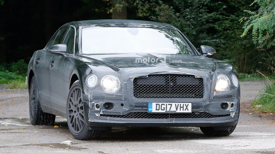 2018 Bentley Flying Spur casus fotolar