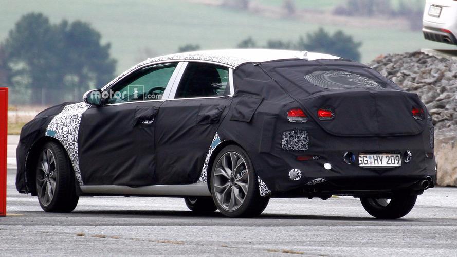 Hyundai i30 Fastback spy shots tease rakish rear