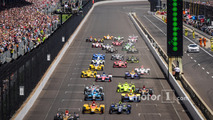 Start- James Hinchcliffe, Schmidt Peterson Motorsports Honda leads