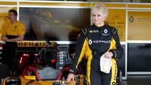 mujer de F1 conduce un monoplaza