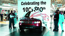 BMW Plant Spartanburg - 100,000th BMW X5 Sports Activity Vehicle rolls off the line, August 23, 2001