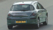 SPY PHOTOS: Peugeot 308 Sedan and Station Wagon