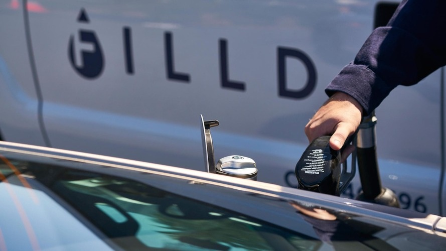 Bentley trials fuel-delivery service, no more gas station visits