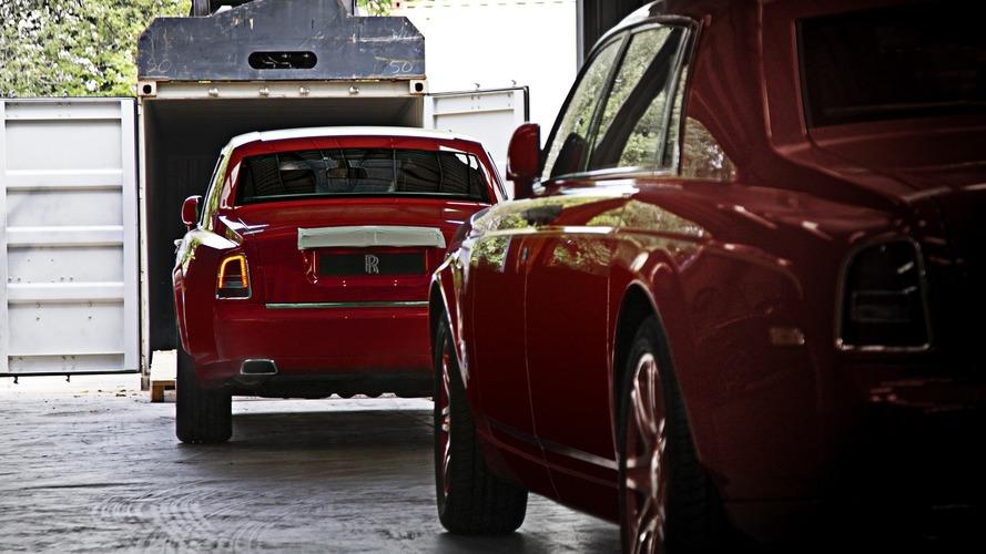 Rolls Royce Phantom - Il en commande 30 exemplaires en rouge