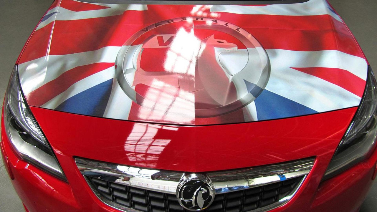 Vauxhall Astra with British union jack 17.5.2012