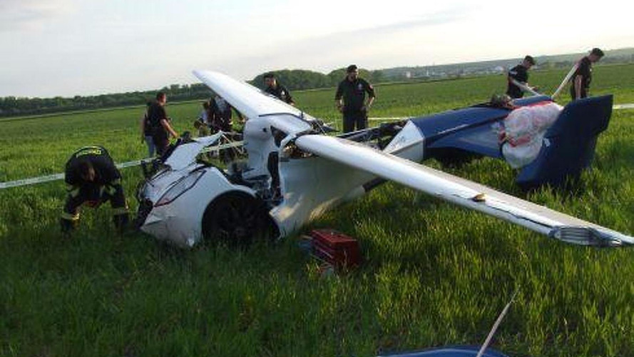 AeroMobil prototype crashes during a test flight