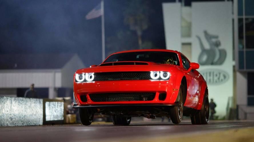 Dodge Challenger SRT Demon'un maksimum hızına çıkışını izleyin