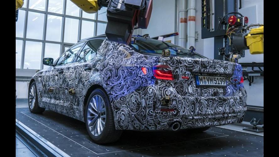 Novo BMW Série 5 começa a aparecer em fotos oficiais durante o desenvolvimento