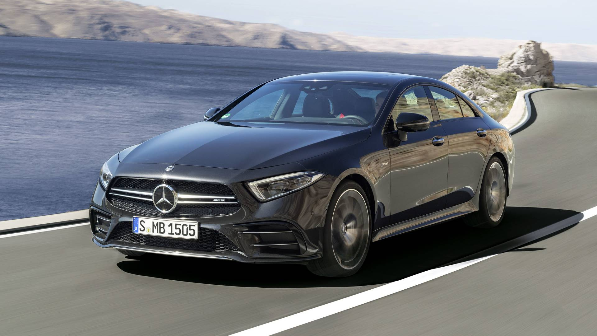 https://icdn-2.motor1.com/images/mgl/8yNnB/s1/2019-mercedes-amg-cls53.jpg