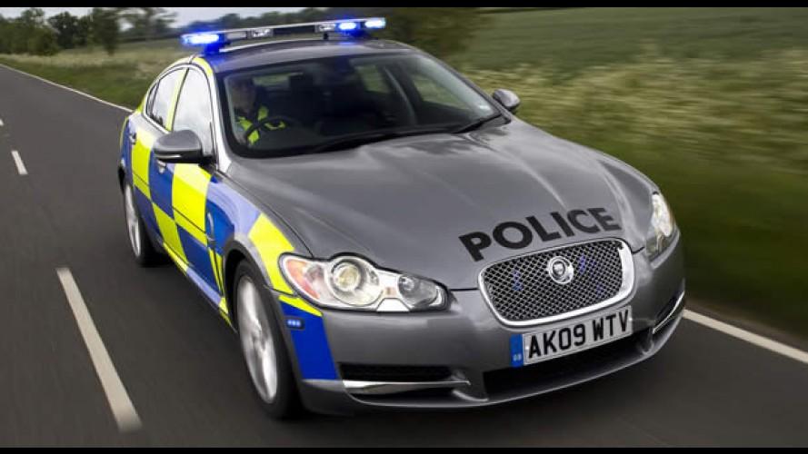 Polícia da Inglaterra avalia Jaguar como viatura - Modelo acelera de 0 a 100 km/h em 5,9 s