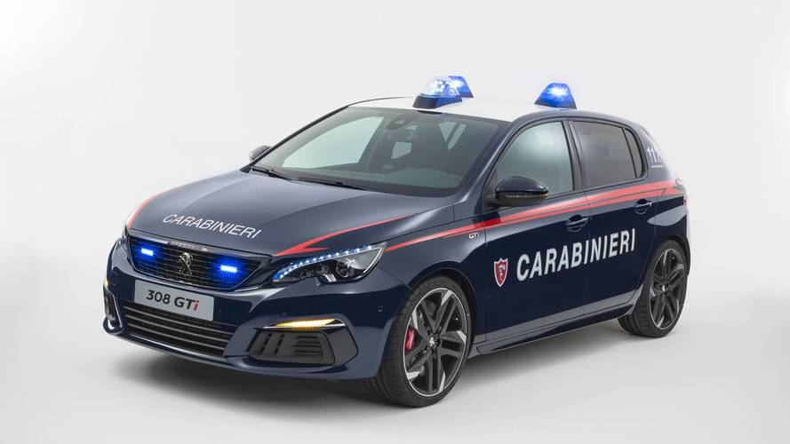 les carabiniers italiens re oivent une peugeot 308 gti. Black Bedroom Furniture Sets. Home Design Ideas
