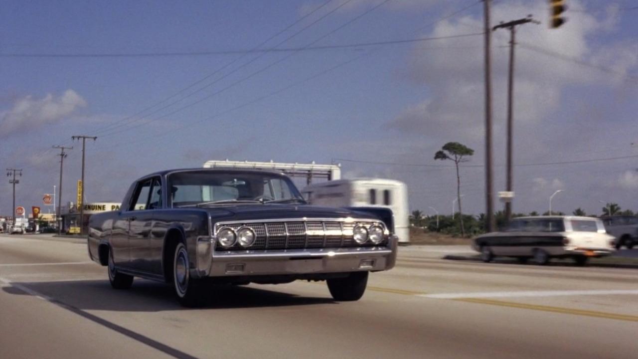 Lincoln Continental 007