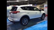 Frankfurt: econômico, Toyota RAV4 Hybrid inaugura novo visual da linha