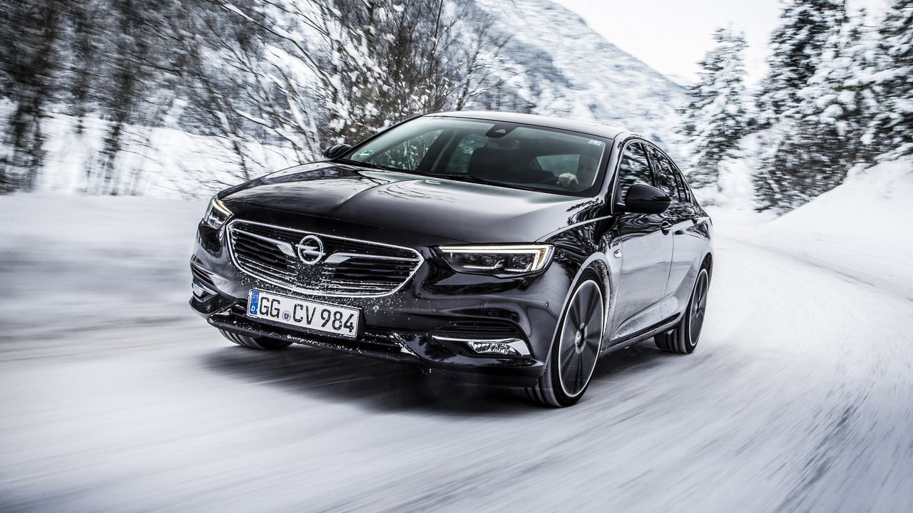 opel insignia grand sport ready to face winter with all wheel drive. Black Bedroom Furniture Sets. Home Design Ideas
