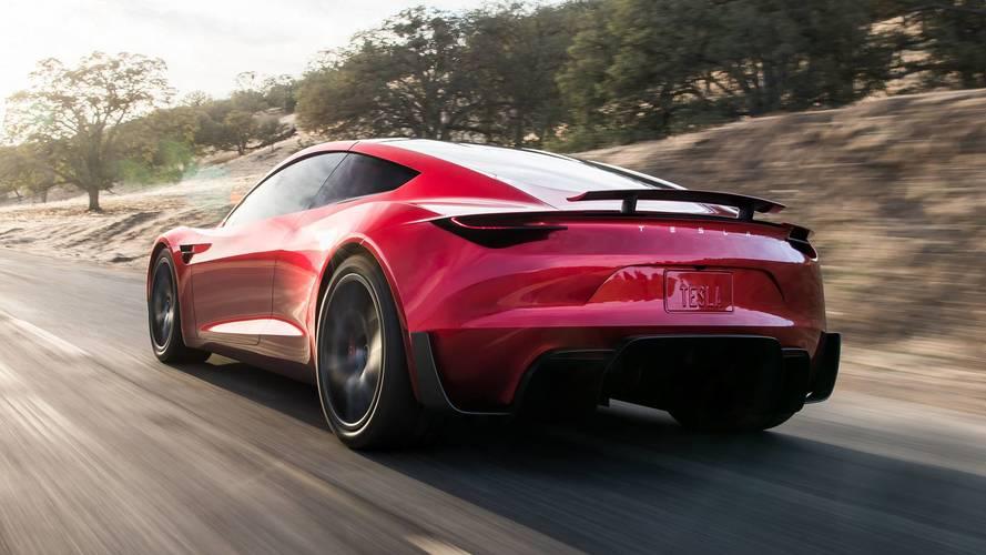 Tesla Roadster'ın fişek gibi ivmelenmesini izleyin