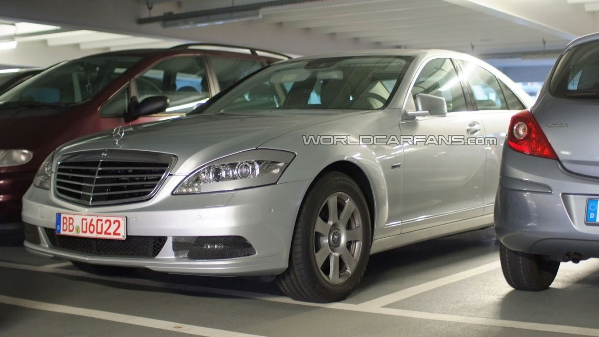 2010 mercedes benz s class facelift spied in parking garage. Black Bedroom Furniture Sets. Home Design Ideas