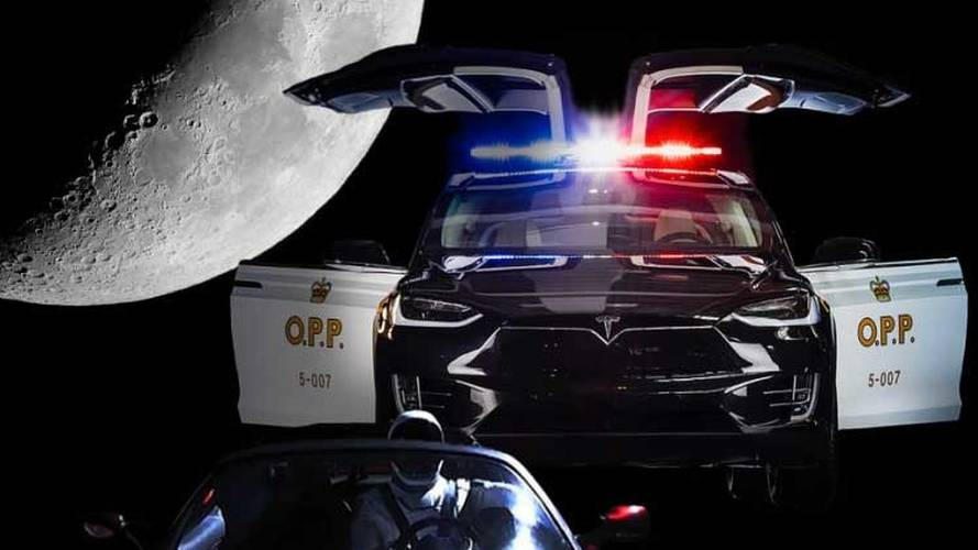 Tesla Model X Police Cruiser Catches Speeding Mars-Bound Roadster